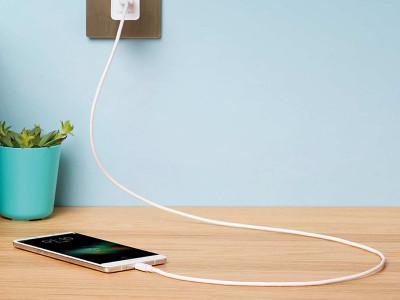 На что обращать внимание при выборе зарядки для смартфона?